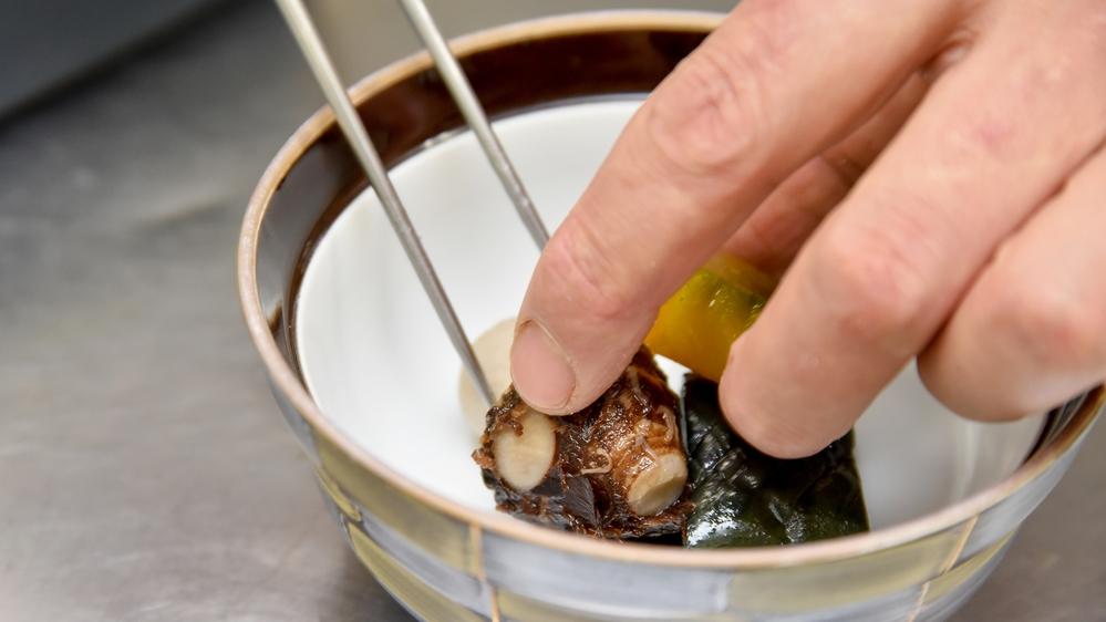 *rArr;期待 その季節にあった旬の食材を料理長が厳選してお造りしております。