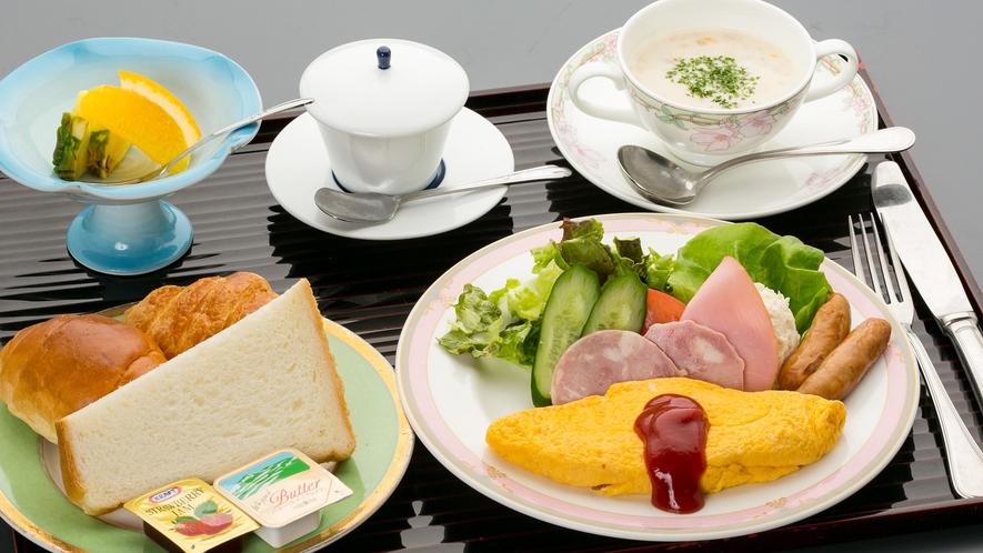 *● 朝食 ● 洋食。無料のコーヒーを飲みながらゆっくりとしたモーニングを。