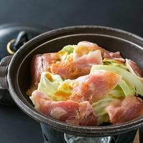 【お料理】お肉料理のイメージです。