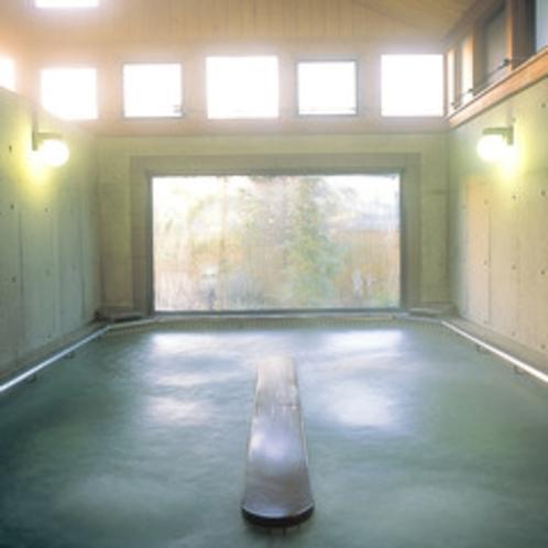 【歩行浴】体に負担をかけず筋肉や心肺機能を鍛えることができる入浴方法