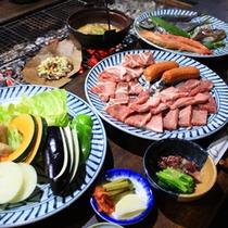 *【夕食全体例】みんなでワイワイ♪ボリューム満点のお食事をお楽しみください。
