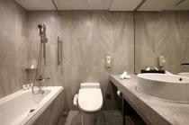 スーペリアルームのバスルーム