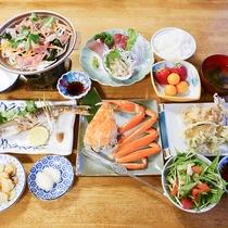 *[夕食一例]新鮮な海の幸中心のお夕食はボリュームもたっぷり♪心をこめてご用意致します!