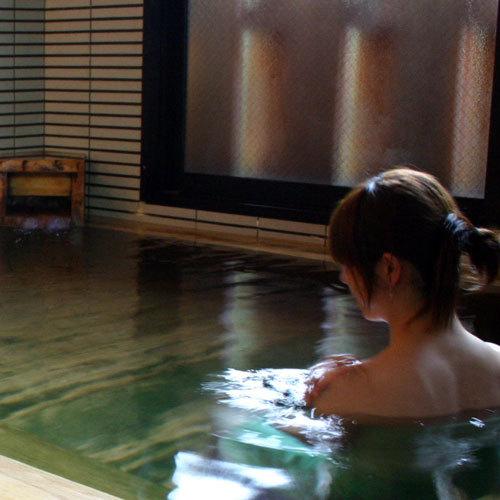 当館のお湯は疲労回復はもちろんのこと、身体の芯まであたたまるので、肩こりや冷え性にも効きます。