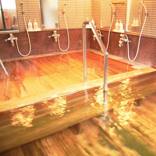 大浴場には手すりや、滑りにく椅子もご用意ができ、高齢の方にも安心してご入浴できます。