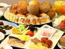■朝食:和洋充実のメニュー!