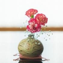 【こだわり】生け花は1室ごとに違うお花を生けております