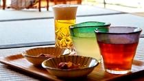 【湯上り処】湯上がり後は、ゆずジュースなどの無料ドリンクですっきり!