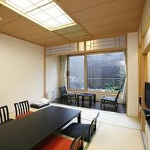 【露天風呂付和室】清々しい青畳の薫りに包まれる和室