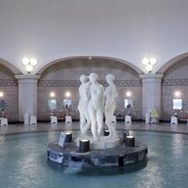 【本格ドーム型ローマ風大浴場】我が国随一の本格ドーム型ローマ風大浴場