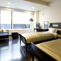 【露天風呂付ツイン】内装や色調のタイプ違いの数種のお部屋をご用意しております。