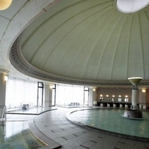 【本格ドーム型ローマ風大浴場】光に満ちた至福の時を、ごゆっくりお過ごしください。