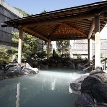 【庭園露天風呂】気持ちいい昼の露天風呂