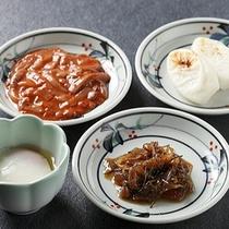 朝食バイキング〜塩辛・温泉卵