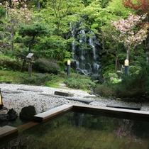 庭園露天風呂<春>