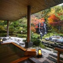 【庭園露天風呂】檜風呂