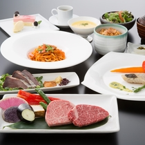 【鉄板焼・銀杏】ディナー例。季節ごとにフェアを開催し、特別ディナーをご用意しています。