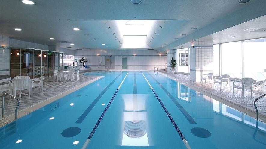 【プール:フィットネス内】ウォーキングもスイムも可能な3レーン:20mの室内温水プール
