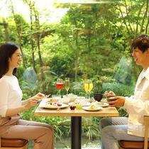 【ご朝食】朝はパン派・ごはん派と別々でも安心!それぞれのお好みあったメニューを楽しめます。