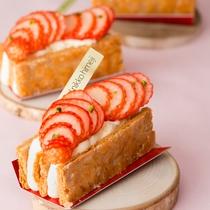 【ティーラウンジ・ファウンテン】ケーキ一例。季節ごとに限定のケーキをご用意しております。