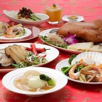 【中国料理・桃李】ディナー例。季節ごとにフェアを開催し、特別ディナーをご用意しています。