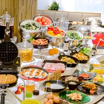 【朝食】40種類以上の朝食ブッフェ。兵庫県産にこだわった日替わりメニューが多数!