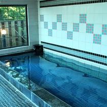 *【大浴場】内湯(ご婦人用)清潔感のある広い湯船で、ゆったりのんびり。