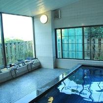 *【大浴場】内湯(ご婦人用)窓から眺める奥浜名湖の眺めにうっとり。