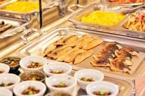 人気の朝食バイキングは品数豊富!