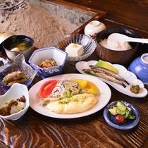 ◎朝食一例(全体)/バランスの取れた健康和定食をご用意!契約養鶏農家からの新鮮な卵も目玉のひとつ♪