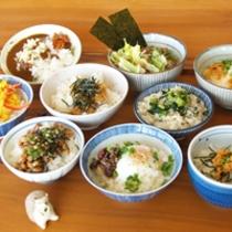 *朝食/信州かってめしコーナー。お好きな地元食材でオリジナルにチャレンジ!