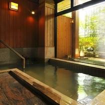 2つの大浴場/24時間入浴可/源泉掛け流し