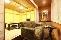 【彩の間】クラシカルモダン和室16畳 ベランダソファー