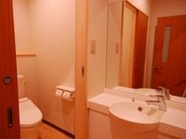 リニューアル客室洗面所(他の客室にはついておりません)