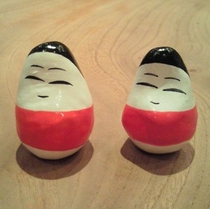 会津の民芸品「起上り小法師」