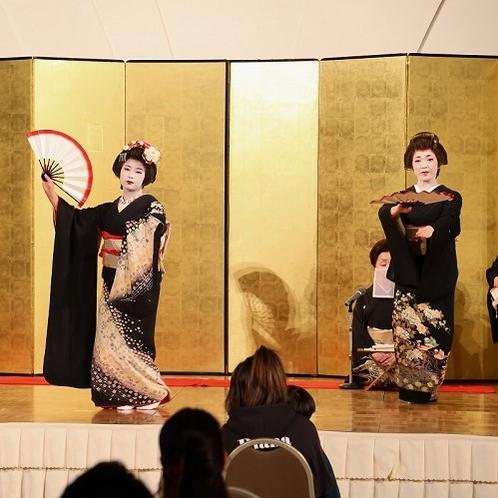東山芸妓の舞