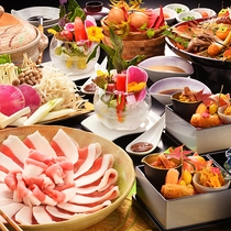 ■当館名物 猪肉のハリハリ鍋■人気No1のお手前料理。良質な猪肉と新鮮な地元野菜を味わい尽くす。