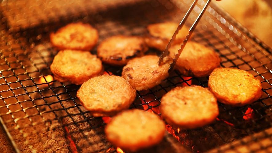 ■ハーフバイキング■炭火焼コーナーでは焼き立てのお料理をご提供。