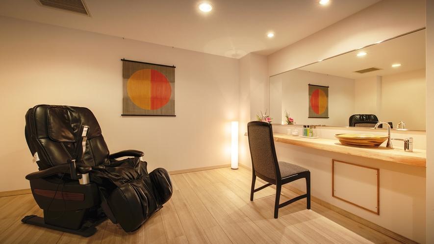 ■<渓谷側>【展望風呂付客室】■客室一例。広々とした湯上りスペースが付いたお部屋もございます。