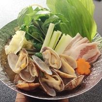★浅利と山菜の春鍋★味ヨシ香りヨリ!料理長おススメの季節料理は期間限定の春鍋♪