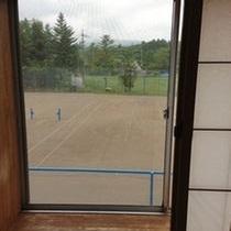 部屋から見えるテニスコート