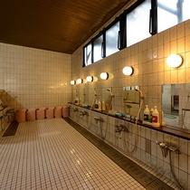 *大浴場(男湯) 洗い場スペース