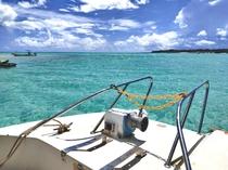 ボートで百合ヶ浜やシュノーケリングスポットまでお連れします