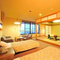 オーシャンビューの客室。瀬戸内海の美景と潮騒が人気です(和洋室のお部屋一例)
