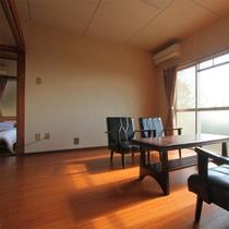 ペット専用棟の一例。居間、お風呂&トイレ、寝室、キッチンが付いています。