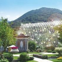 *箱根ガラスの森美術館はオールシーズン人気のスポット