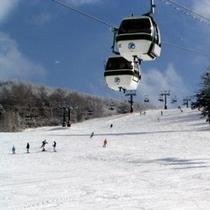 白樺高原国際スキー場のゴンドラリフト