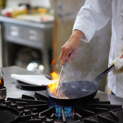 〈お手軽〉量が少なめ♪リーズナブルにお料理と温泉満喫プラン【洋食コース】