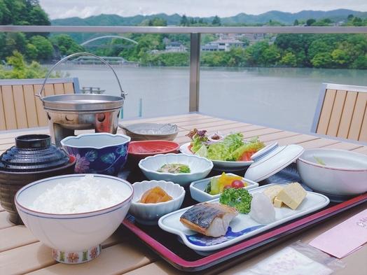 1泊2食★ちょっと特別な<洋食Dinner>地元名産のアルコールとともに優雅なひとときを。
