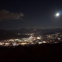 *【杖突峠】夜景(当館より車で約30分)